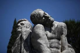 Il monumento dedicato ai martiri delle Fosse Ardeatine